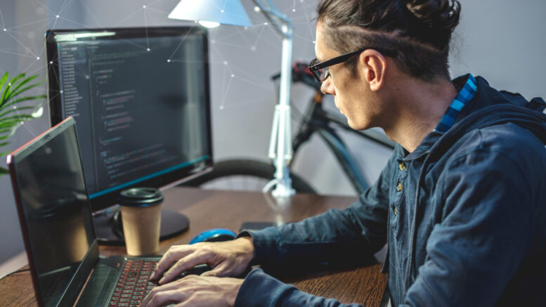LaptopLenovo ThinkPad P15s Gen 2ma wbudowaną specjalną baterię, która może działać nawet do 15 godzin