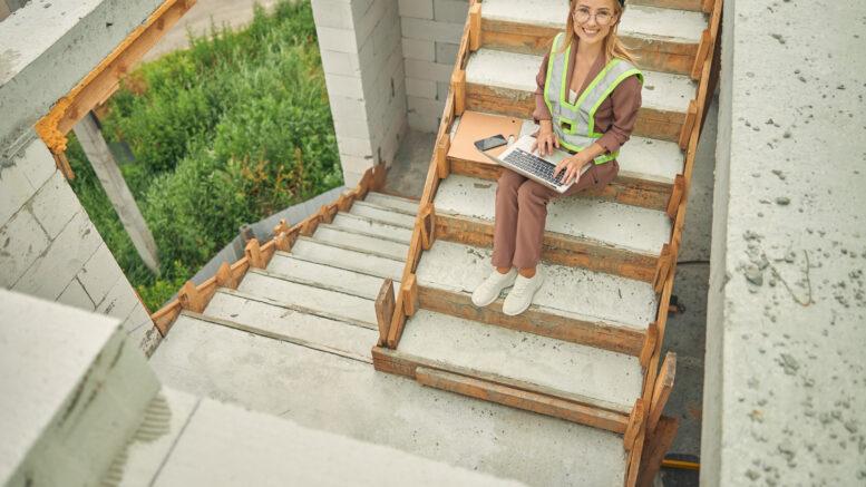 Laptop Getac B360 należy do laptopów dla pracowników mobilnych